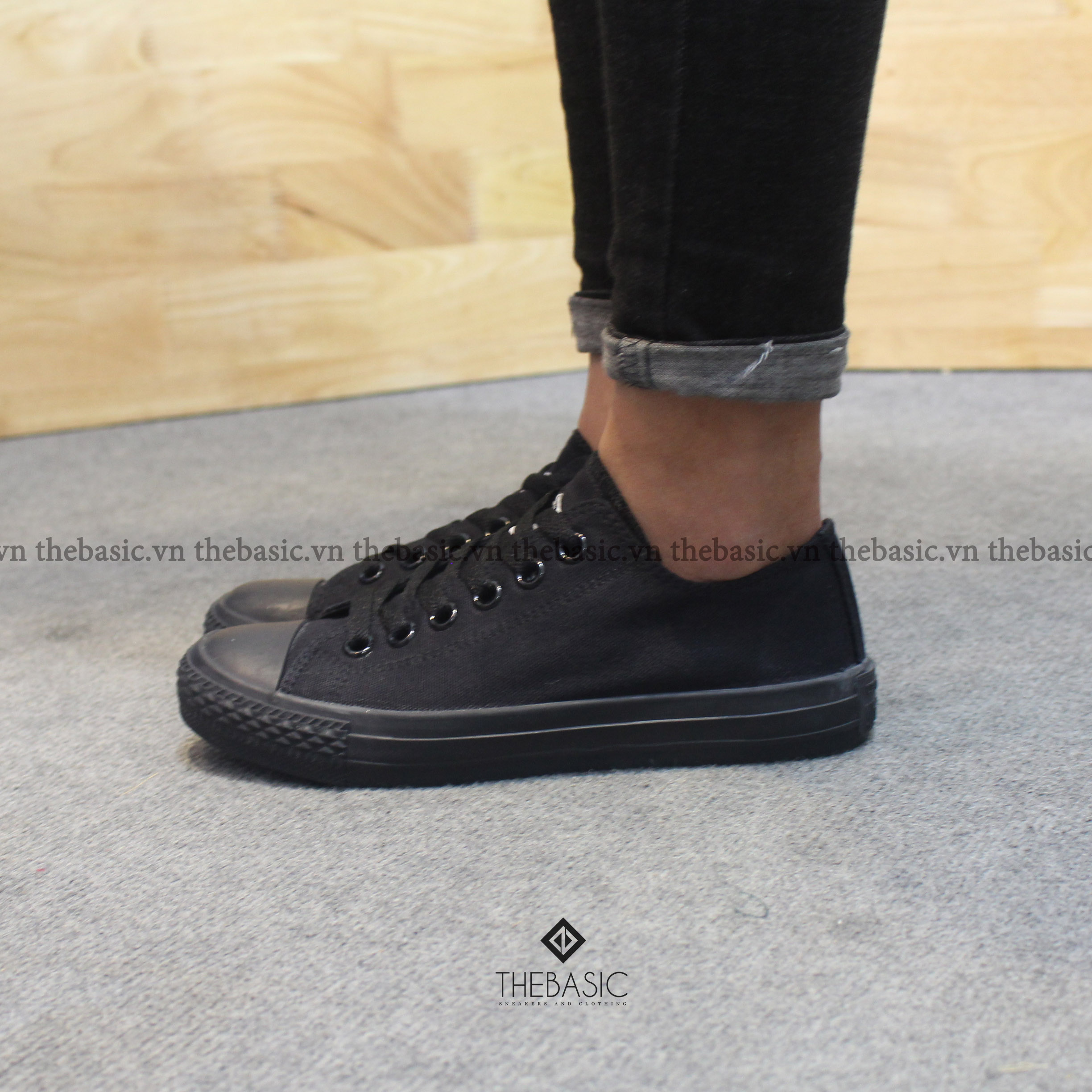 Converse Classic - Full Black Low - MUA 1 TẶNG 1