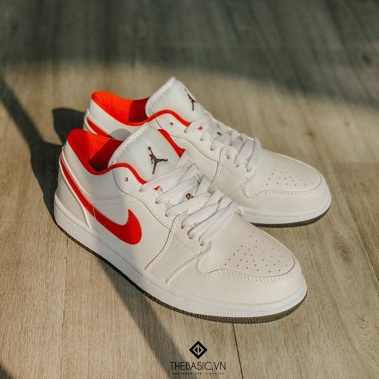 Ni - Jordan 1s White Red Low